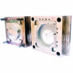 Spuitgietmatrijs voor productie van kunststof onderdelen
