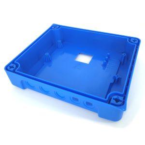 Ontwerpen en spuitgieten van een blauw deksel voor elektronisch toestel
