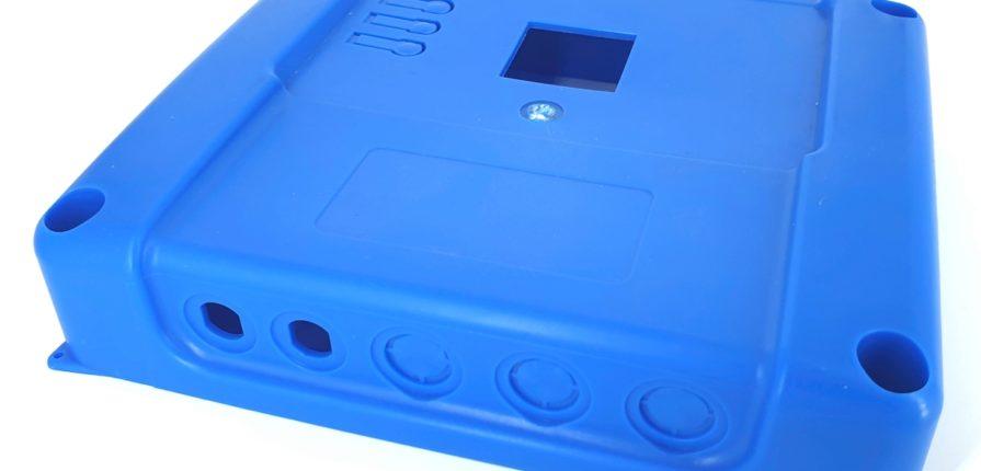 Spuitgieten van een deksel voor elektronisch toestel
