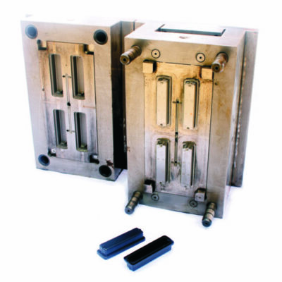 Steel mold for plastic injection