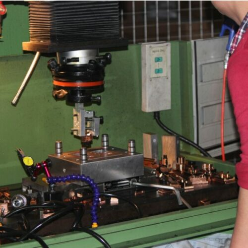 Vonkerosie is een productietechniek bij matrijzenbouw